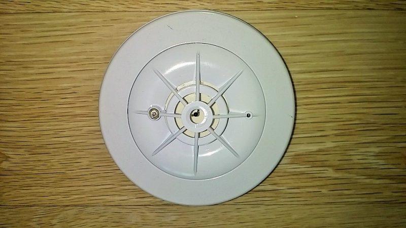 Instalar detector de monóxido de carbono