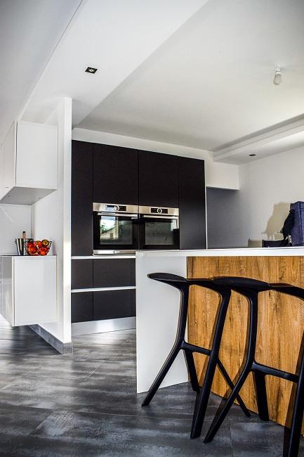 Cocina de color negro