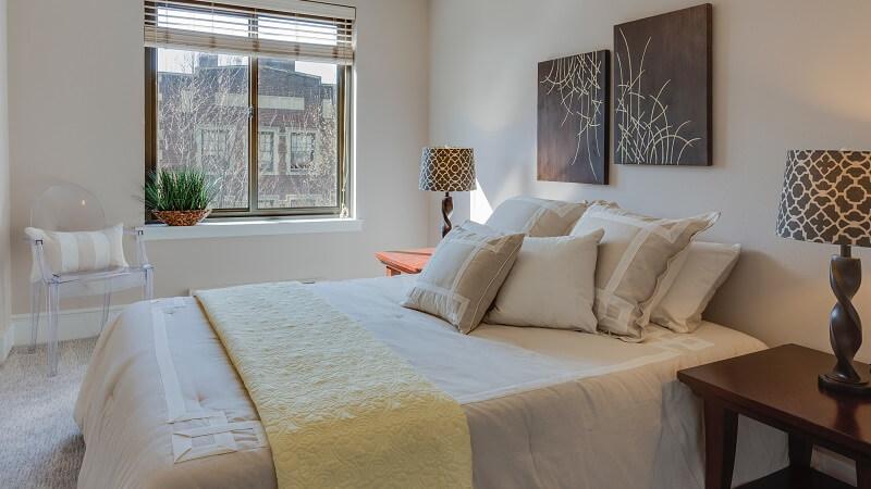 Decorar un dormitorio de matrimonio pequeño