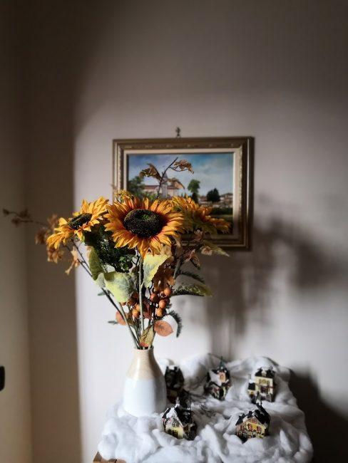 Florero con girasoles gigantes