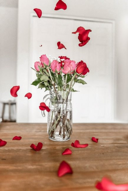 Rosas en tarro de cristal