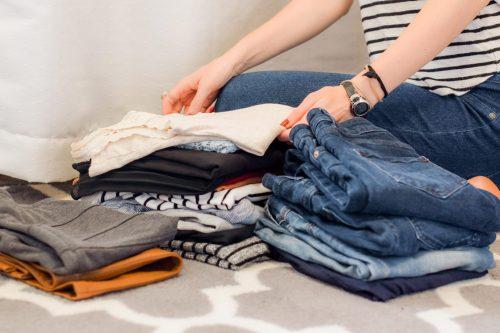 Clasifica la ropa por grupos