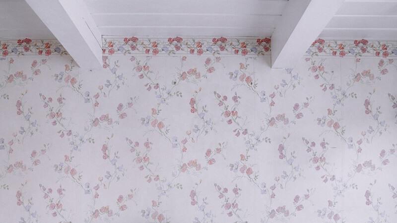 Cómo quitar el papel pintado de la pared