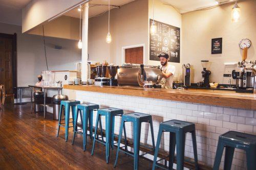 taburete en bares y restaurantes