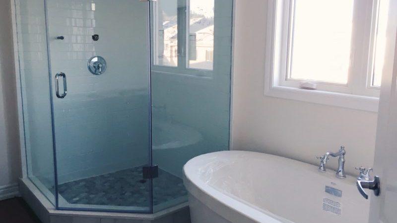 Cómo elegir una mampara de ducha cómoda y duradera